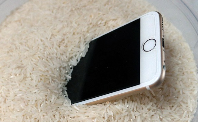 Don't dry wet iPhone with rice