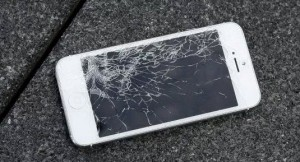 iphone-with-broken-screen