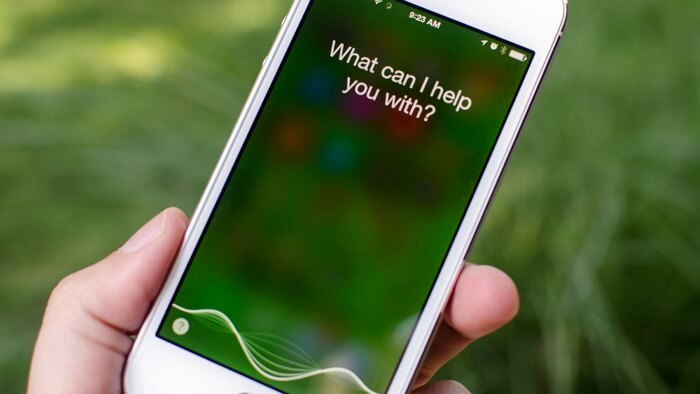 Ask Siri to Restore the Contacts