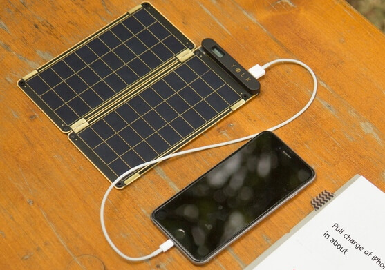 charge-iphone-via-solar-powered-charger