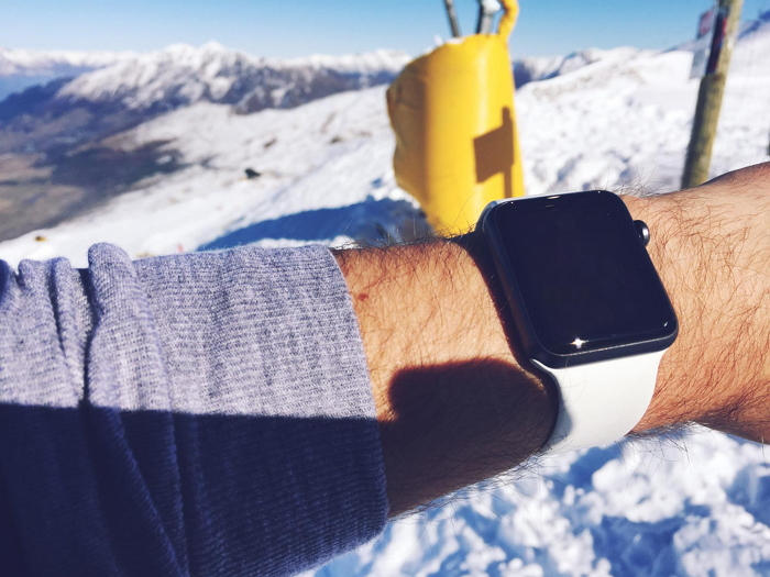 apple watch in cold