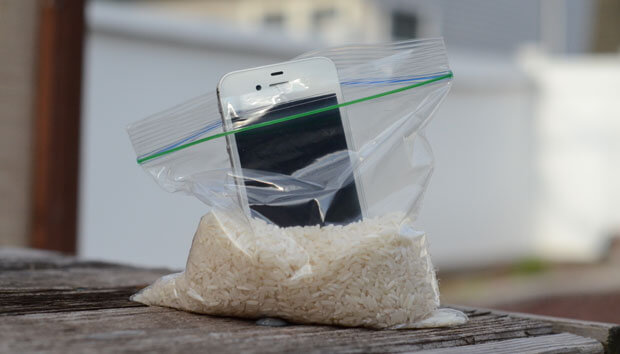 fix wet iPhone with rice