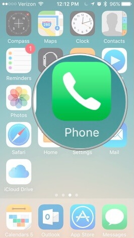 open-phone-app-on-iphone