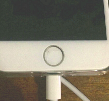 iPhone 8 home button cracked