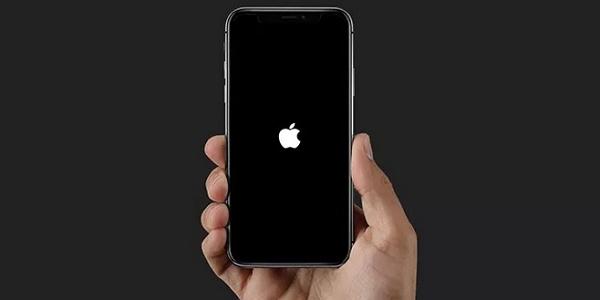 iphone 11 bloqué sur le logo Apple
