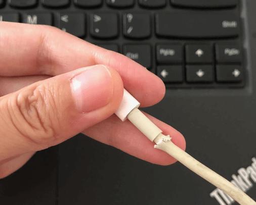 Comprobar el cable y el puerto USB